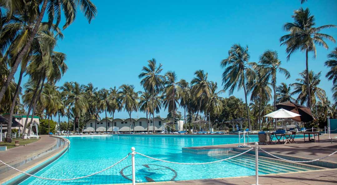 piscine hotel sarakawa