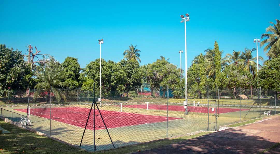 tennis hotel sarakawa