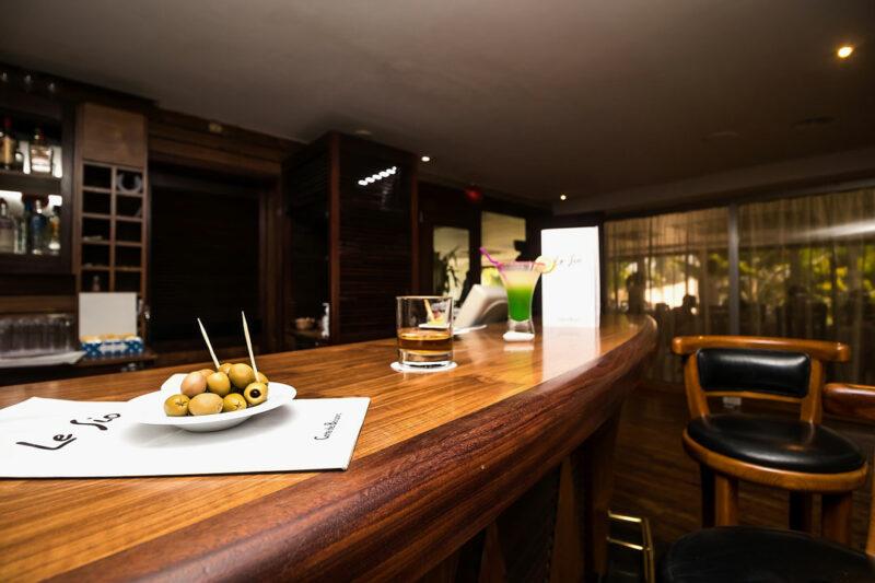 bars-02-sarakawa